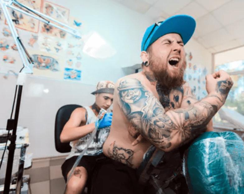 ¿Duelen los tatuajes electrónicos?