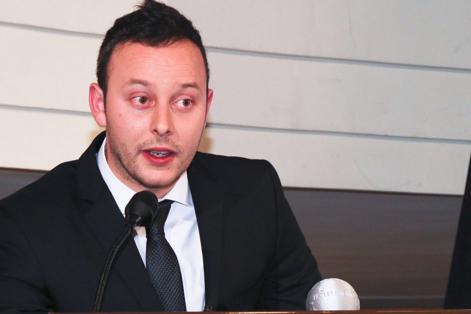 Pedro Albares Castej�n, Abogado Director